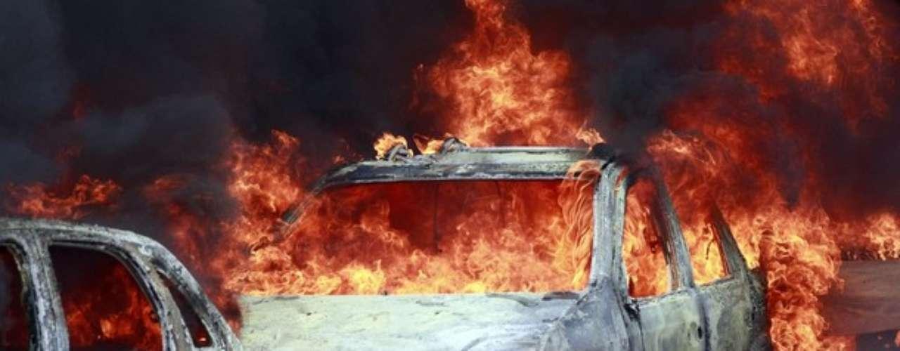 La quema de los carros se hacía para que la policía no pudiera realizar su trabajo.