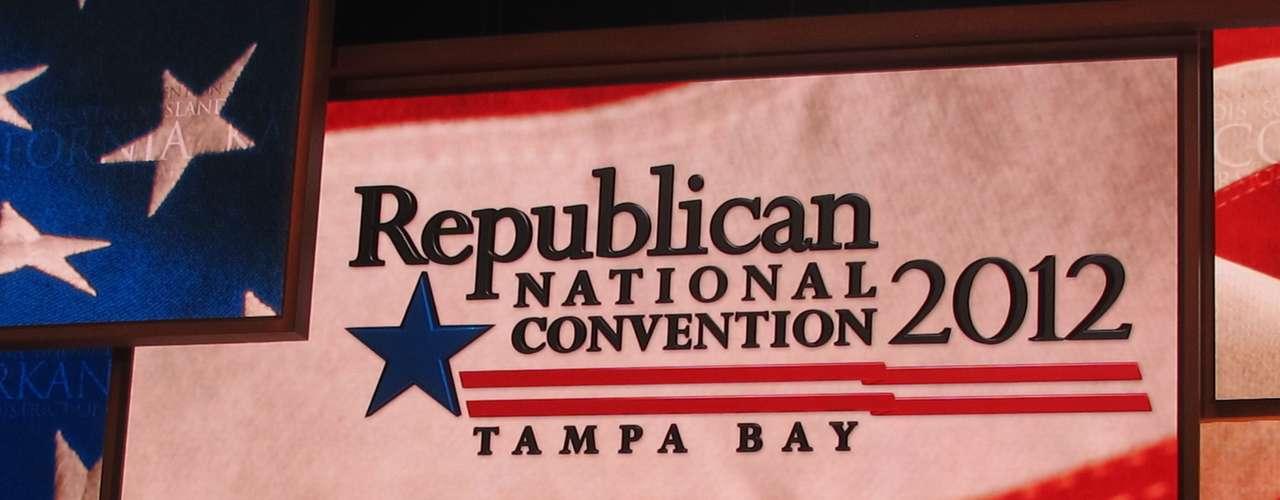 Todo está listo en el Forum de Tampa para el inicio de la Convención Republicana que nominará a Mitt Romney como el candidato para arrebatarle la presidencia a su contrincante demócrata, Barack Obama.