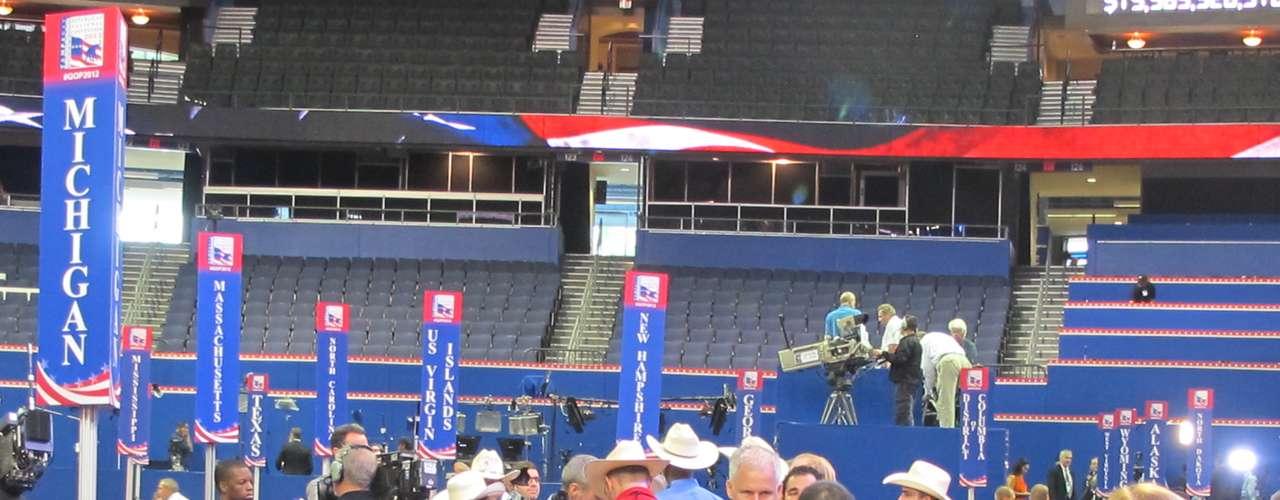 La Convención iniciará mañana martes con varios discursos, entre ellos, el de la esposa de Romney, Anne.