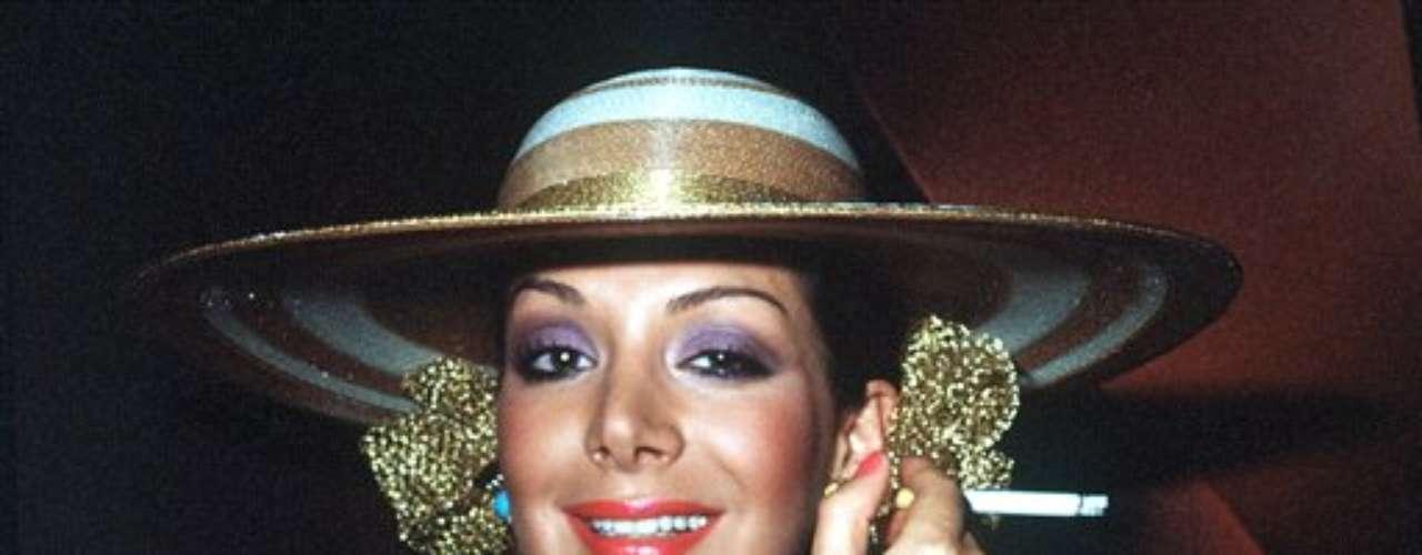 La modelo, actriz y presentadora Virginia Vallejo, se encuentra escribiendo una biografía de lo que fue su relación con el ex capo narco y en una entrevista, relevó las conexiones que Escobar mantenía con expresidentes colombianos.