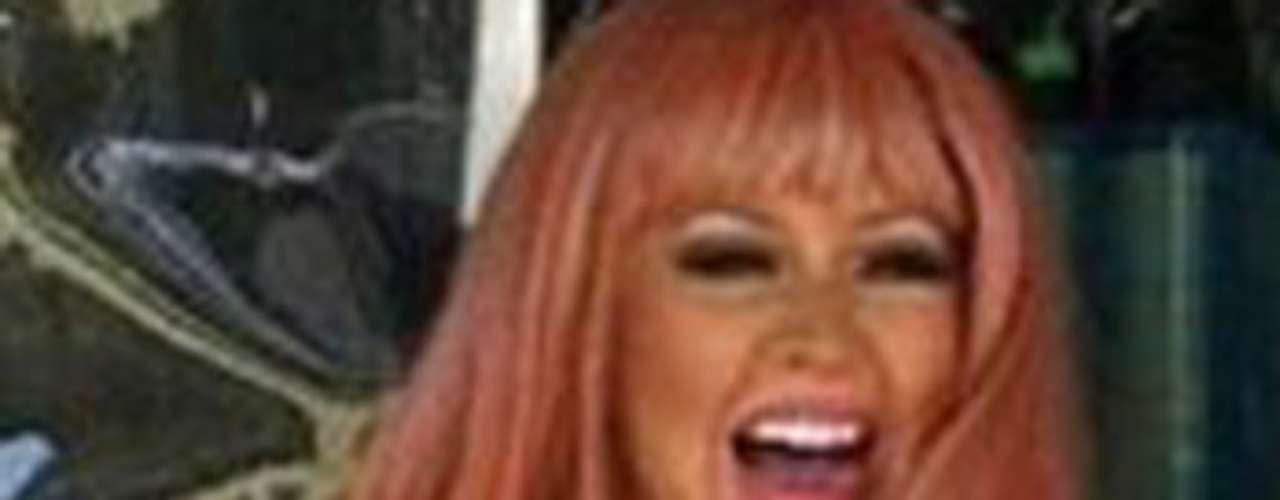 Aguilera está muy feliz con su actual figura y hasta se ríe de quienes la critican.