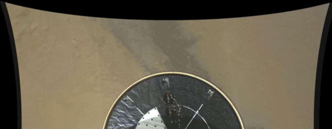 Por otro lado, las más recientes imágenes obtenidas con los teleobjetivos que lleva el rover, muestran escenas de laderas quebradas y erosionadas, con capas geológicas claramente expuestas, con una resolución y nitidez mucho más elevadas que las anteriores.