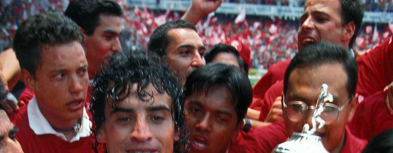 Desde 1996 a 1999 llegó al Toluca. Aquí, el \