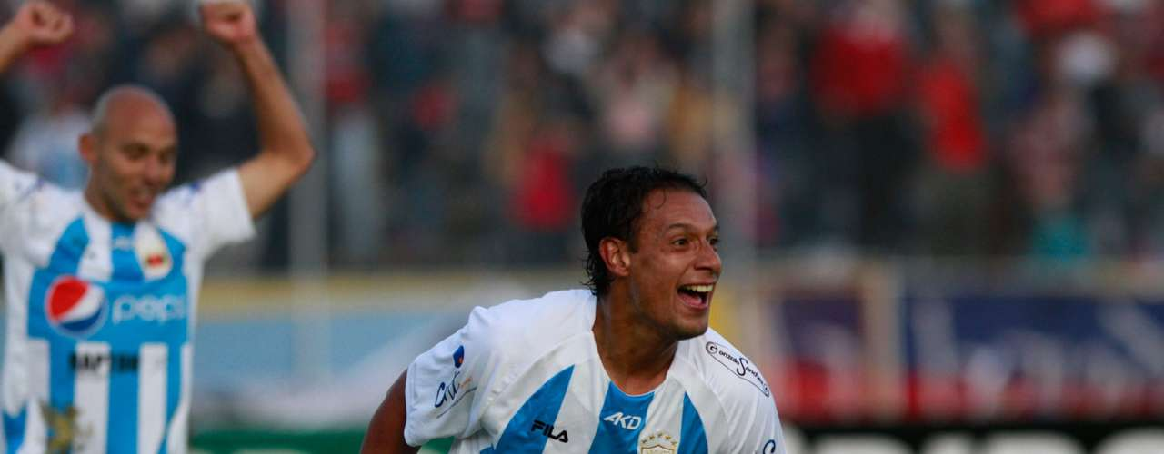 Juan Lorca, del Deportivo Quito, celebra el segundo gol.