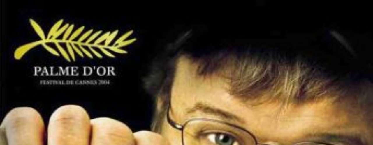 Fahrenheit 9/11 (2004): Michael Moore dirige este documental que toma como punto de partida la controvertida elección de George W. Bush en el año 2000 para seguir su ascenso desde que era un petrolero tejano hasta que llegó a ser el presidente de Estados Unidos.  La obra describe las oscuras relaciones económicas entre el padre de Bush y la familia de Osama Bin Laden durante tres décadas, así como la evacuación de familiares del terrorista después de los ataques del 11 de septiembre en Nueva York. La película fue premiada en el Festival de Cannes de 2004 con la Palma de Oro, el galardón de mayor relevancia.