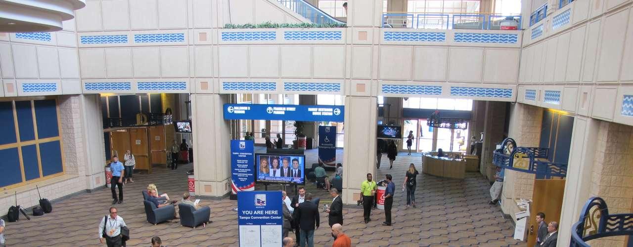 Todo sigue a buena marcha en el Convention Center y en el Forum de Tampa, donde hoy cierra la Convención Mitt Romney.