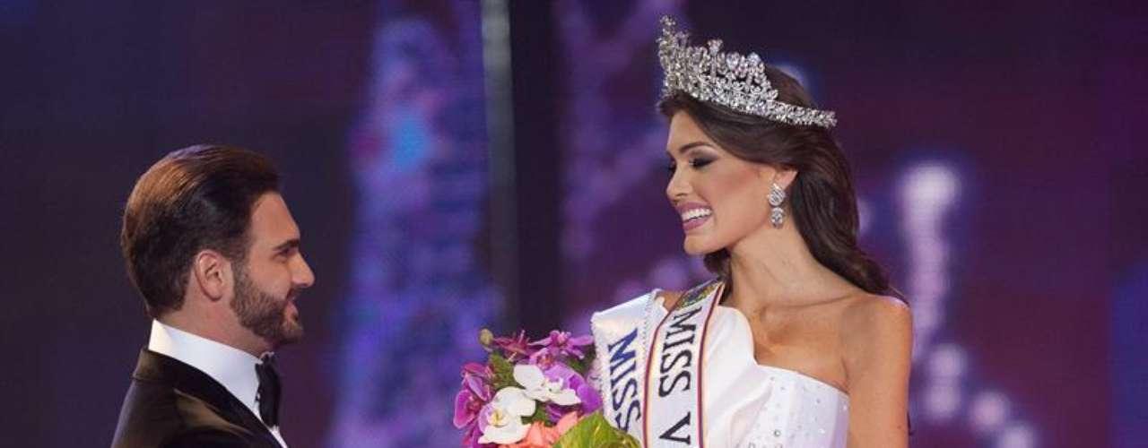 Nacida el 21 de marzo de 1988, es licenciada en Gerencia con mención en Mercadeo. En cuanto a certámenes de belleza el de Miss Venezuela es el cuarto concurso que cuenta con su participación donde logró el máximo reconocimiento del país.