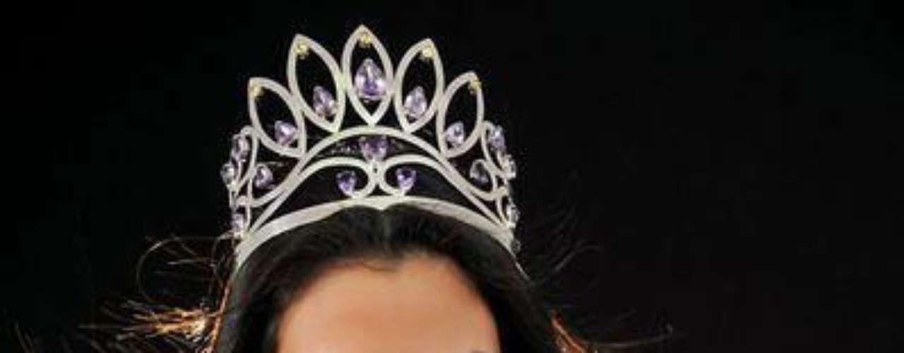 Cindy Mejía Santa María es una limeña ganadora del título Miss Perú Universo para representar a su país en Miss Universo 2013. Con 23 años y 1.73 metros de estatura, se convirtió la dueña del preciado galardón, tras una difícil competencia junto a otras 20 candidatas de todo el país.