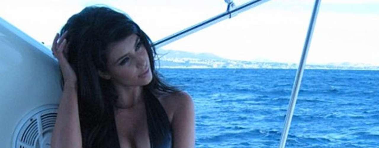 Con esta imagen Kim Kardashian dio los buenos días a sus seguidores desde Miami.