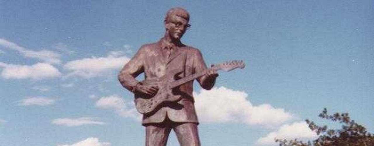 Buddy Holly. El artista tiene su imagen en su lugar de nacimiento, Lubbock (Texas).