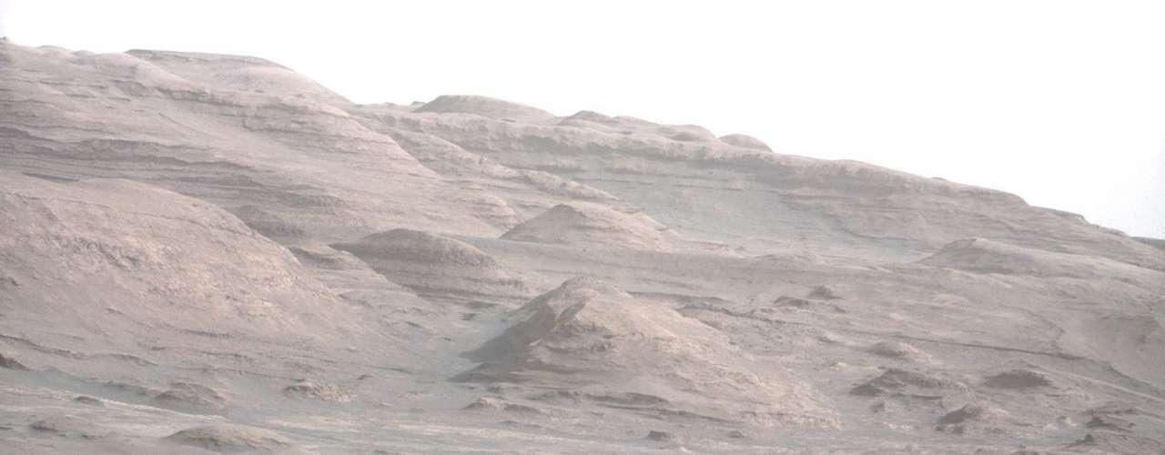 El robot usará estas imágenes para producir información tridimensional sobre el terreno, a fin de decidir qué camino tomar para dirigirse a la montaña.