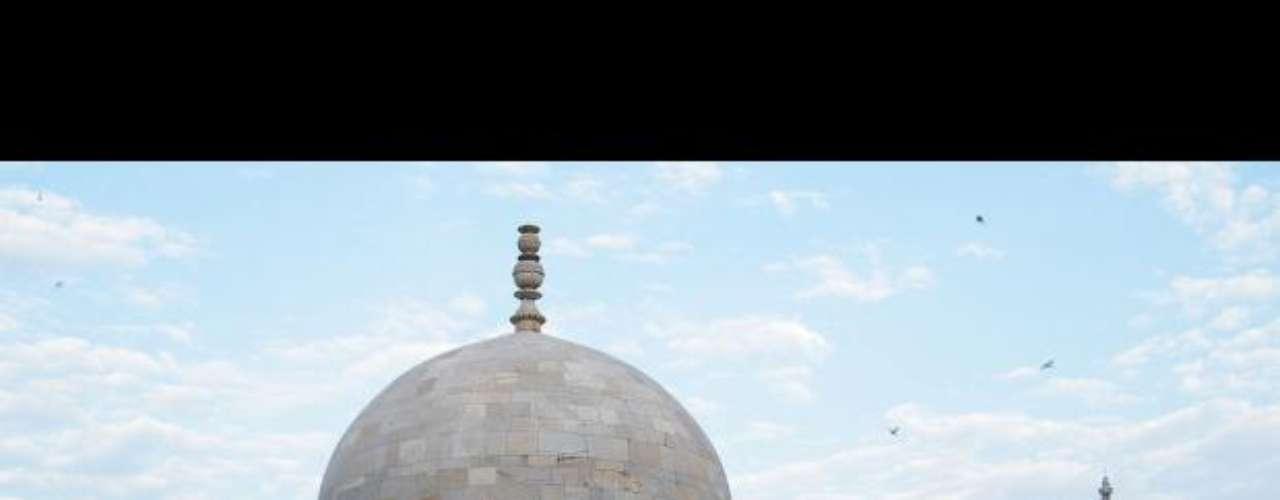 Modelo del Taj Mahal. Situada a 2.000 metros de altura y unos 90 kilómetros de Indore, Mandu fue una vez la capital del estado indio de Madhya Pradesh, y está considerada como una joya arquitectónica en sí misma. Originalmente fue construida como fortaleza para los gobernantes de Parmar de Malwa.