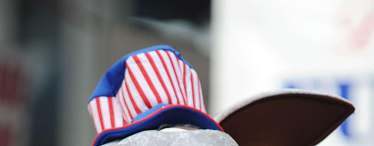 Para quienes piensan que las camisetas con la imagen del presidente estadounidense Barack Obama son algo muy típico, la Convención Demócrata que se celebra en Charlotte (Carolina del Norte) ofrece alternativas como tazas, diademas, chapas o huchas alusivas al mandatario.