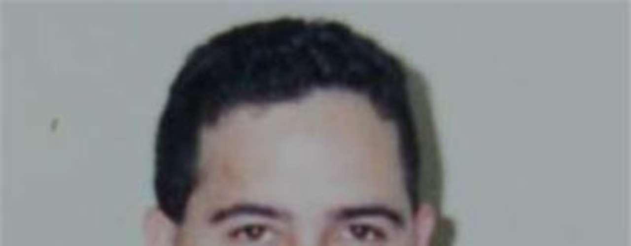 Carlos Alberto Guajardo Romero, quien trabajaba para el Expreso de Matamoros,  murió en noviembre de 2010 durante un enfrentamiento entre marinos y hombres armados.