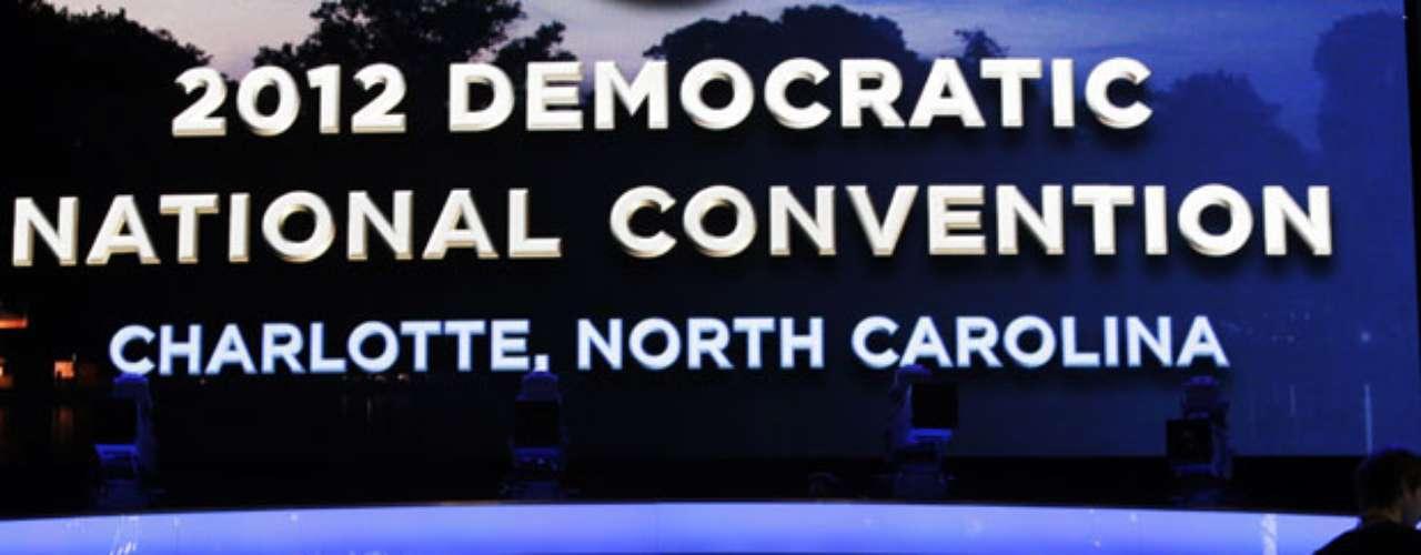 Se espera que unas 35.000 personas visiten Charlotte en estos días, entre ellas unos 15.000 periodistas acreditados para cubrir la convención y 6.000 delegados del Partido Demócrata.