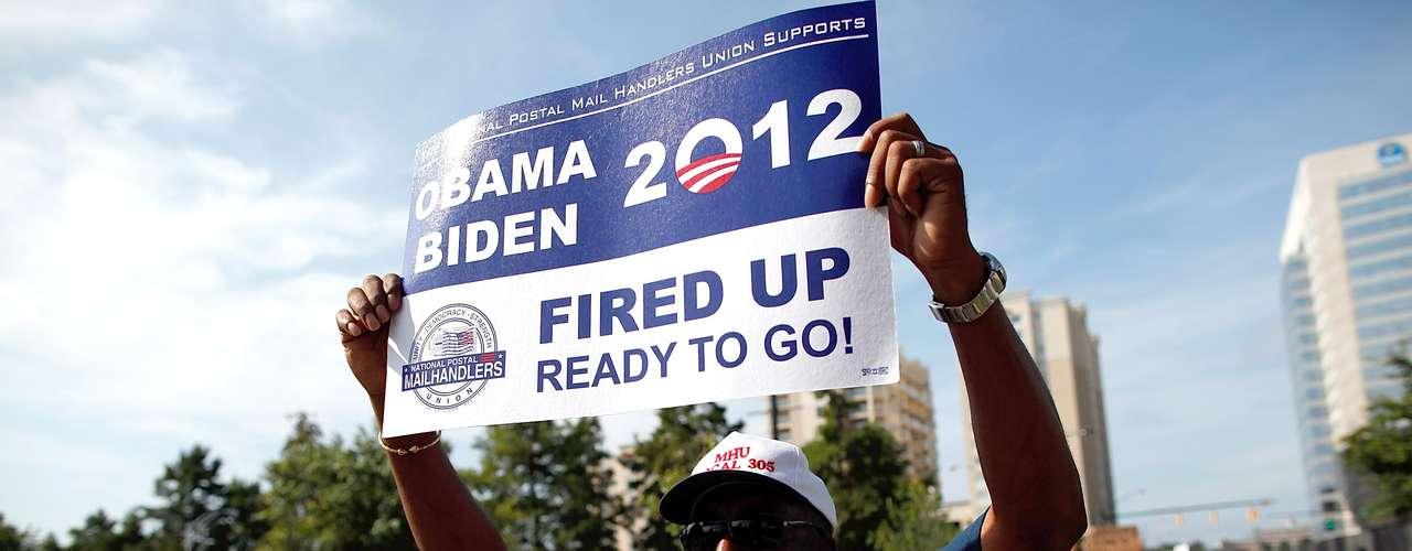 Los demócratas en Charlotte están a la espera de Obama. Muchos incluyendo a los republicanos quieren escuchar las nuevas propuestas que traerá, cómo logrará a opacar los argumentos de Romney en Tampa, cuál será el mensaje para los inmigrantes, entre otros temas. Pero, para que el Presidente responda a estas preguntas al igual que en el caso del Partido Republicano se ha movido toda una maquinaria que lleva a la Convención a una inversión millonaria. Aunque también habrá sus ganacias. Vea los números de la Convención.
