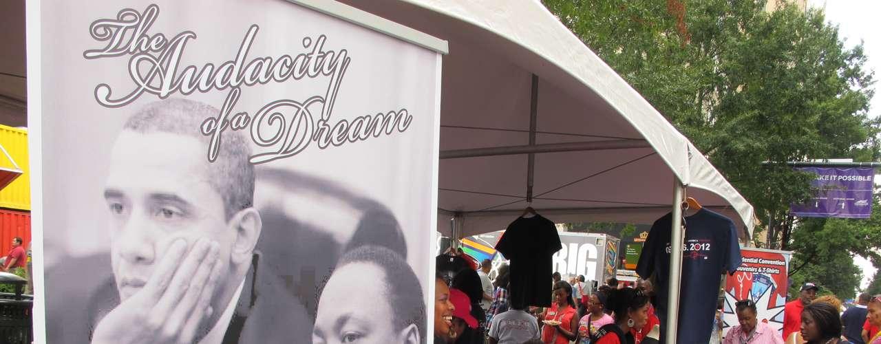 Mucha mercadería para la venta, esta vez, con Obama y el reverendo Martin Luther King Jr.