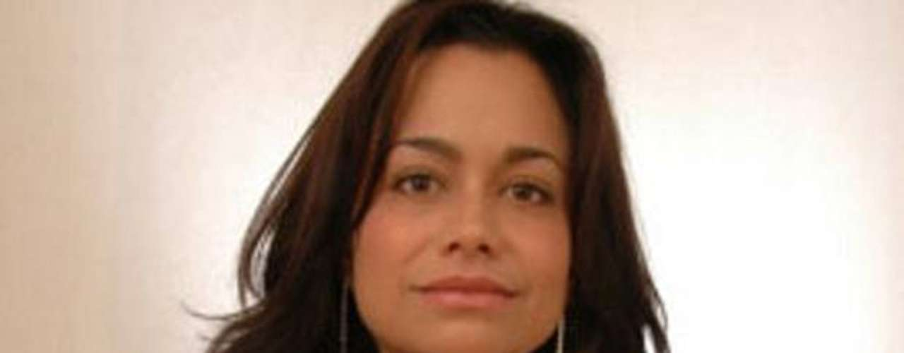 Castro María Elizabeth Macías Castro, de 39 años, era la editora en jefe del periódico Primera Hora. El cuerpo de la periodista fue encontrado la mañana del sábado 24 de septiembre de 2011, según la oficina del fiscal general en el estado norteño de Tamaulipas. Un mensaje atribuido a un grupo criminal fue encontrado junto a ella, dijo la oficina.