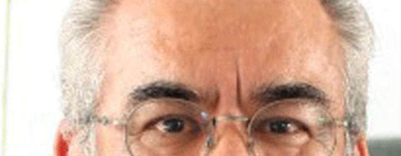 El periodista Noel López Olguín desapareció el 8 de marzo de 2011 pasado en Jáltipan, Veracruz. No fue hasta 1 de junio del mismo año que su osamenta fue encontrada una fosa clandestina en Malacate, comunidad ubicada en el camino antiguo que lleva de Jáltipan hacia Chinameca, donde se encontraba un cuerpo que fue llevado a servicios forenses en Acayucan.