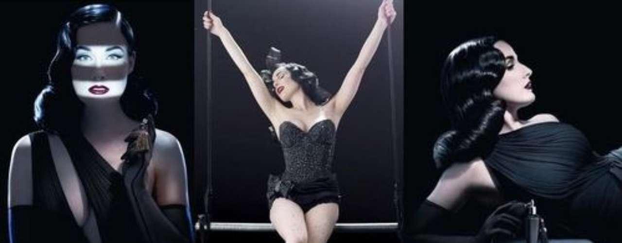 En las instantáneas se aprecia a la bailarina más importante de los últimos años posando elegante y sensual junto a la botella de su perfume.