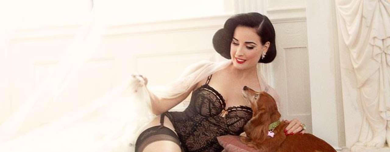 Con este lanzamiento, Dita Von Teese deja en claro que es una apasionada por el mundo de la belleza y la cosmética.