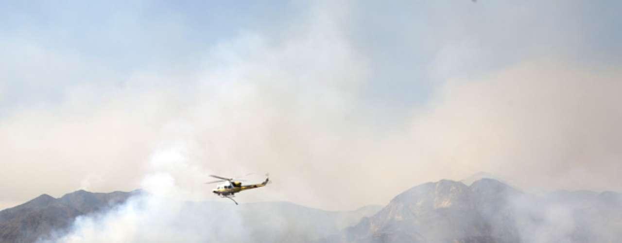 El incendio en una zona rural del sur de California está en manos del Servicio Forestal y apoyo de bomberos locales, sin que intervenga el Departamento Forestal del estado porque se trata de un parque de resguardo federal.