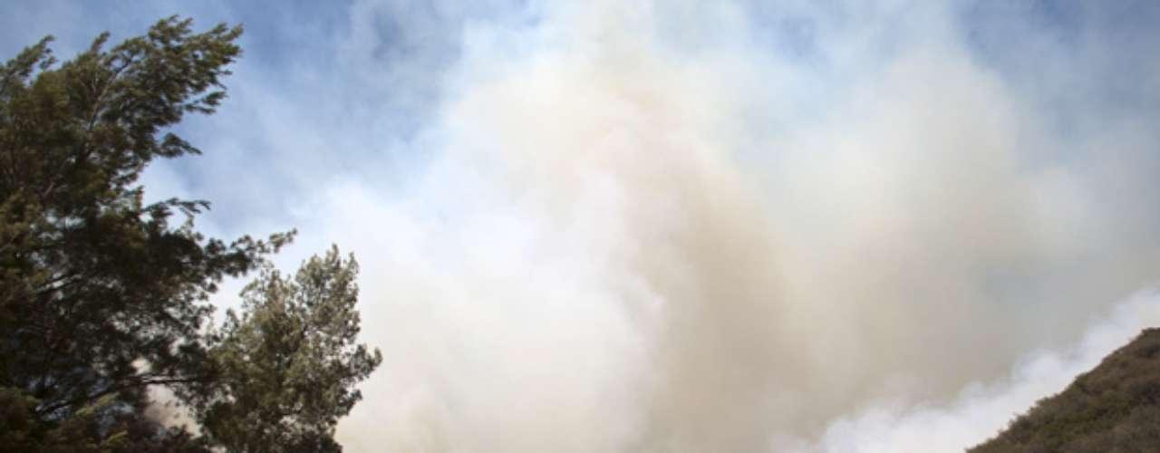 La versión oficial señala que el incendio podría ser sofocado para el jueves 13 de septiembre, aproximadamente al medio día, si antes no cambian las condiciones.