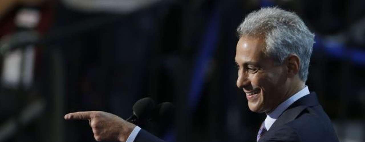 Rahm Emanuel, el alcalde de Chicago, afirmó que enfrentamos un momento crítico en la historia de Estados Unidos, y por suerte tenemos un presidente único en la historia de nuestro país.