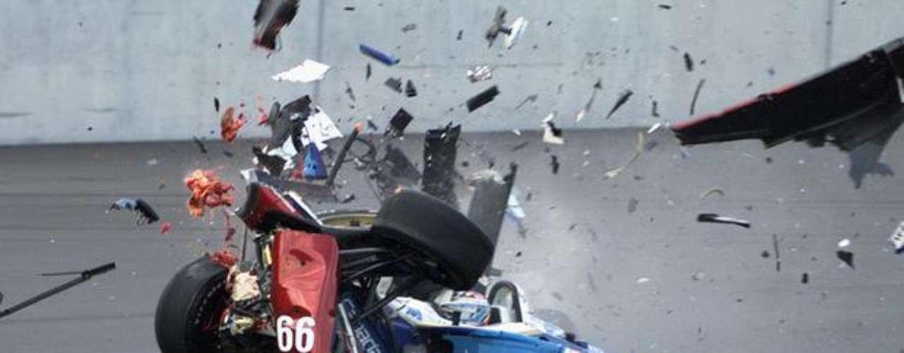 El expiloto italiano de Fórmula 1 Alex Zanardi realiza este miércoles su debut en los Juegos Paralímpicos de Londres. Zanardi perdió las piernas en un gravísimo accidente sufrido en 2001, cuando competía por la Fórmula Indy, en la ciudad alemana de Lausitz.