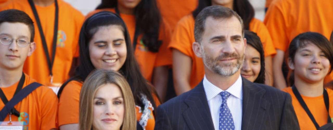 Don Felipe y doña Letizia han retomado su agenda tras el parón veraniego en la ciudad de Salamanca, donde presidieron la inauguración del \