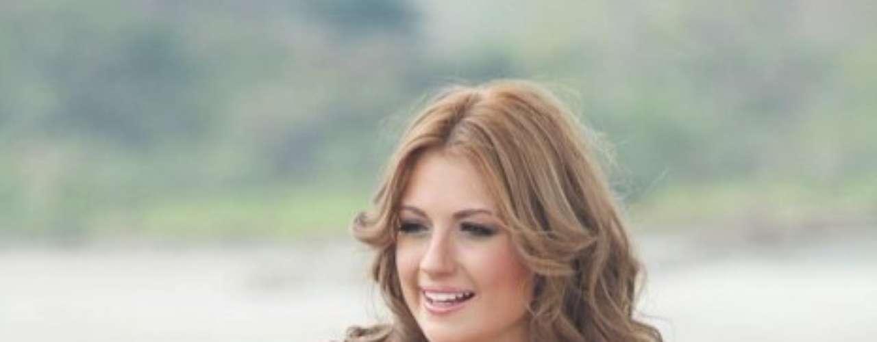 Sara ha sido modelo de catálogos de ropa y protocolo y ha participado en las pasarelas de Colombia Moda.