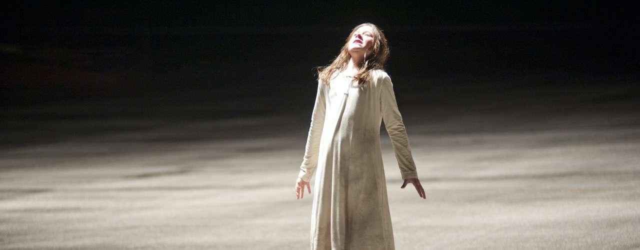Posesión Satánica: Una joven compra una antigua caja, sin saber que dentro de ella habita una serie de espíritus malignos que se apoderan de su vida - Estreno, 7 de septiembre