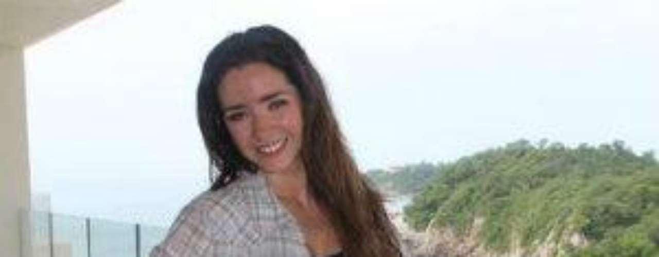 Ariadne Díaz entre meros machos en 'La Mujer Del Vendaval'