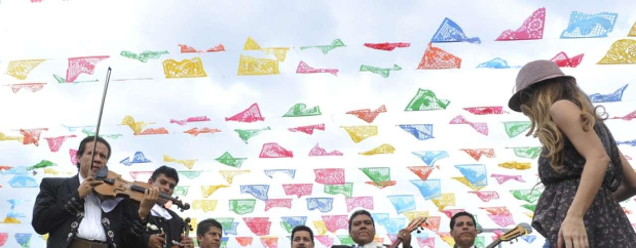 México ha decidido profesionalizar al mariachi hacer que sea posible conseguir un título oficial en la primera escuela del mariachi, creada en la Ciudad de México, informó EFE.