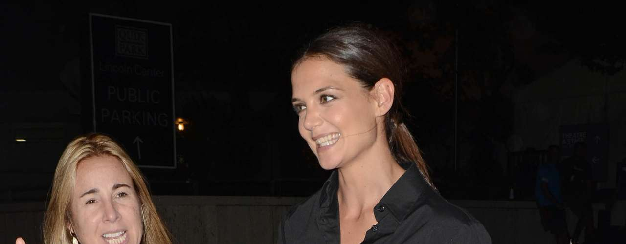 Katie Holmes adora la moda y no se quiso perder la cita con la Semana de la Moda neoyorquina. Es su primera aparición pública desde que se separó de Tom Cruise. Su divorcio ha sido el más barato de Hollywood.