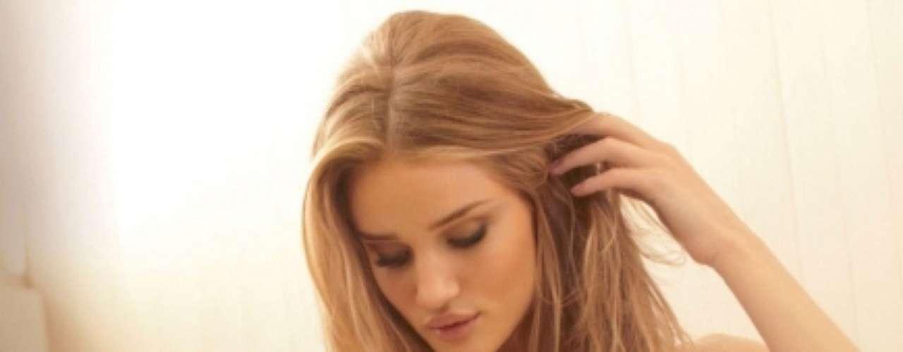 La joven fue descubierta cuando tenía tan solo 16 años. Desde entonces, ha protagonizado campañas para las mejores marcas de ropa y joyas.