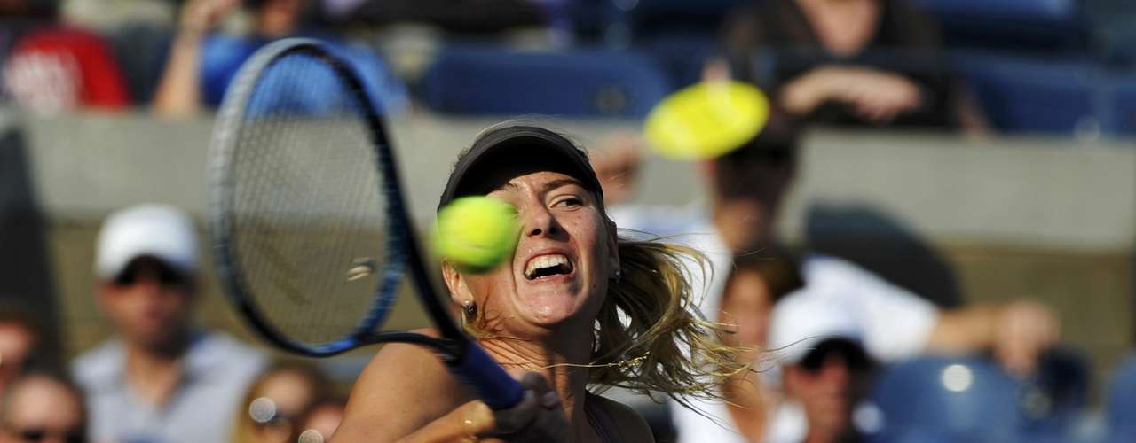 Sharapova's main weapon contnues to be her fierce forehand. REUTERS/Ray Stubblebine