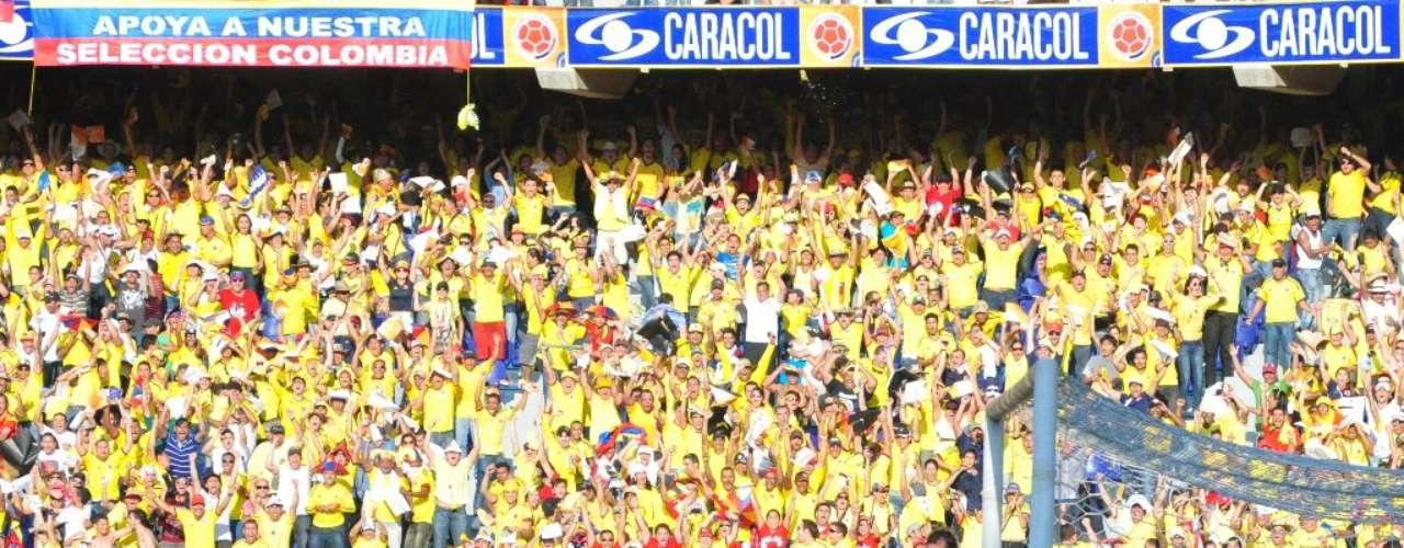 Teófilo celebró su segundo gol en una tarde que fue fantástica para él y Colombia.