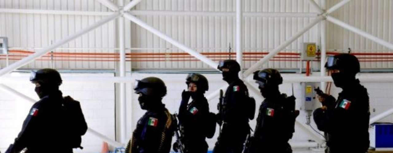 Pablo Vásquez ha estado cubriendo los turnos nocturnos en la sala de emergencias del Hospital General de Juárez en los últimos seis años.
