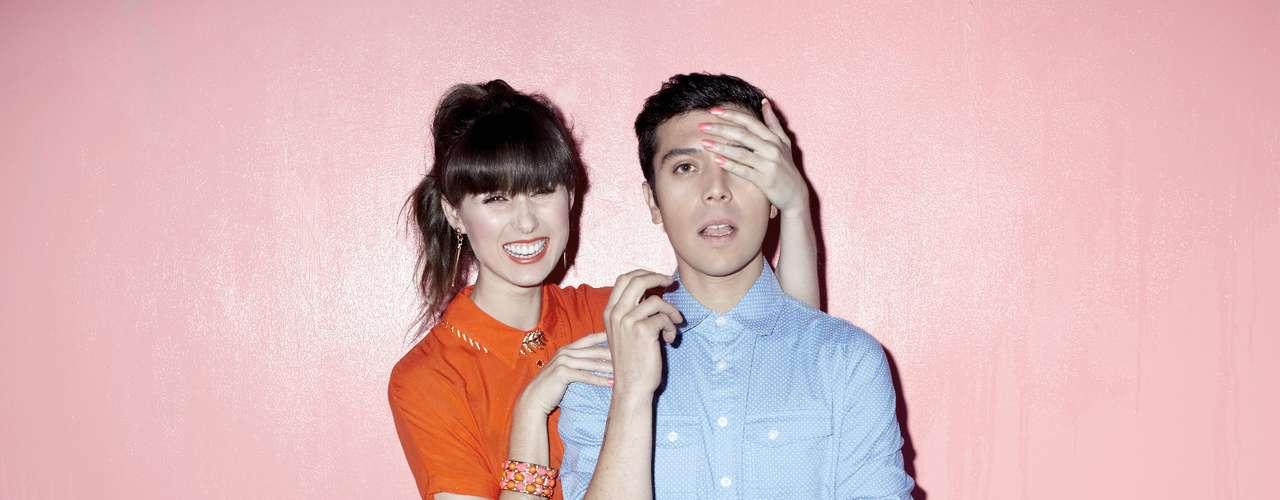 Así lucen los músicos nacionales Francisca Valenzuela y Gepe (Daniel Riveros), posando para la nueva campaña de Foster.  Ambos artistas representan el cariz moderno y pop que la reconocida marca de ropa ha desarrollado durante los últimos dos años.