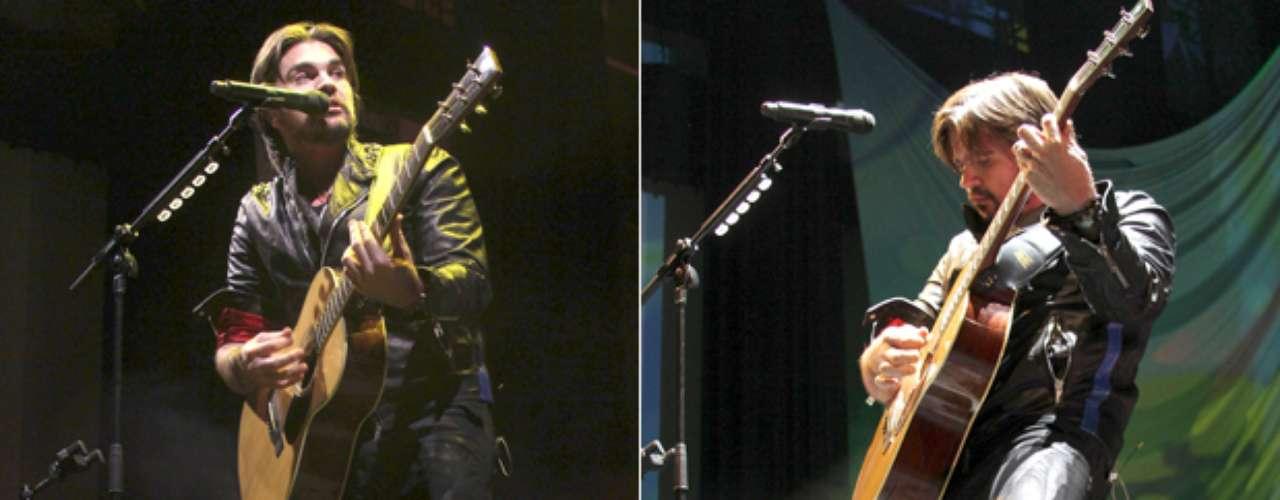 Juanes llenó cada rincón del emblemático Pepsi Center WTC de la Ciudad de México, durante un concierto donde interpretó lo mejor de su más reciente producción discográfica , \