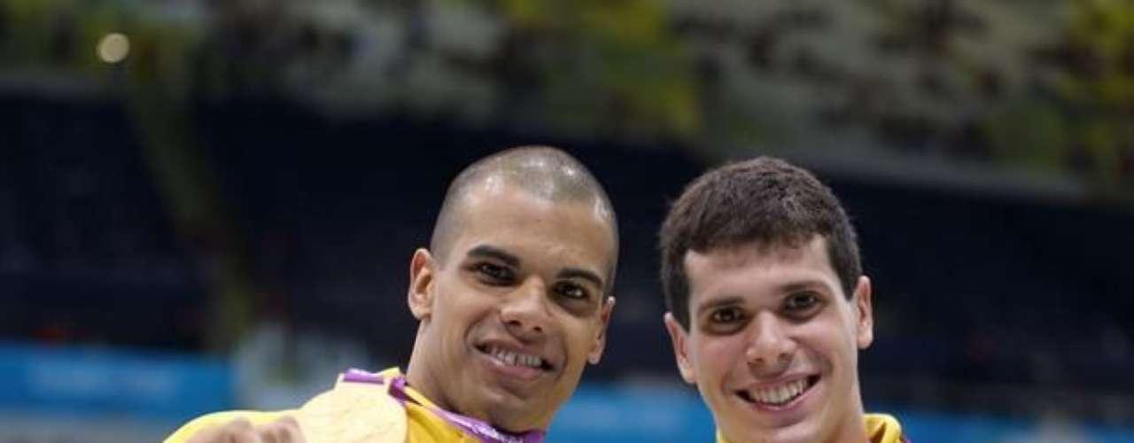 André Brasil y Phelipe Rodrigues aseguraron el primer doblete brasileño en la natación, con el oro y la plata en los 100 m libre S10. Los nadadores repitieron el éxito de Beijing 2008.