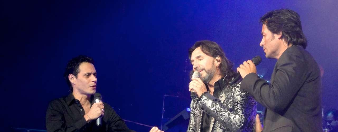 Una fiesta increíble para el público ofrecen las tres grandes estrellas de la música latina.