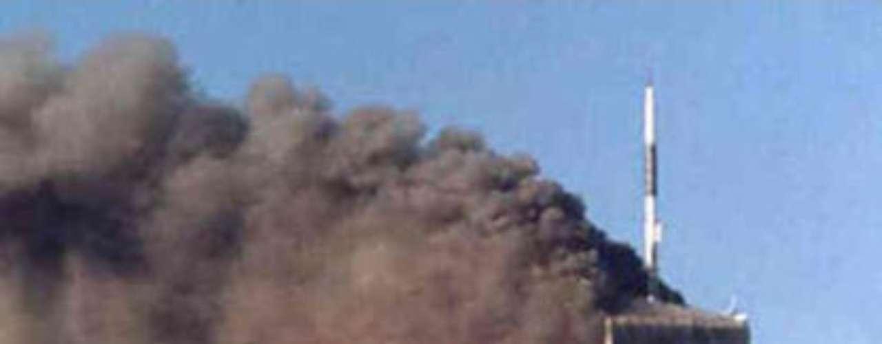 Zeitgeist (2007). Documental de Peter Joseph conformado por tres partes, donde la segunda es la que toca el tema del atentado del 9/11.