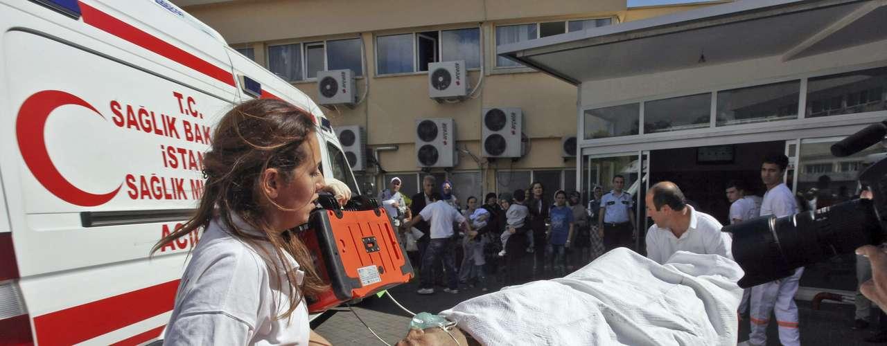 Según el jefe de la policía de Estambul, Hüseyin Capkin, un kamikaze, \