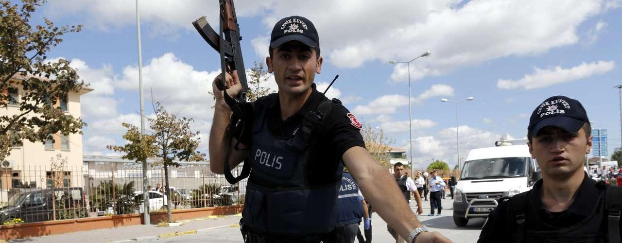 Los heridos fueron llevados a un hospital cercano al lugar de la explosión, desde el que se hizo llamados a la población para donar sangre, constató un periodista de la AFP.