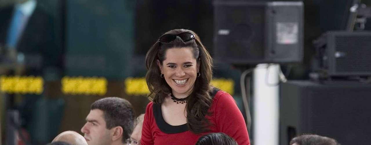 Yuriria Sierra, Periodista.