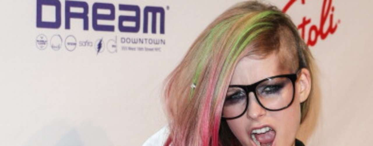 Avril Lavigne donned neon-dyed locks and an edgy tux for the her line's \