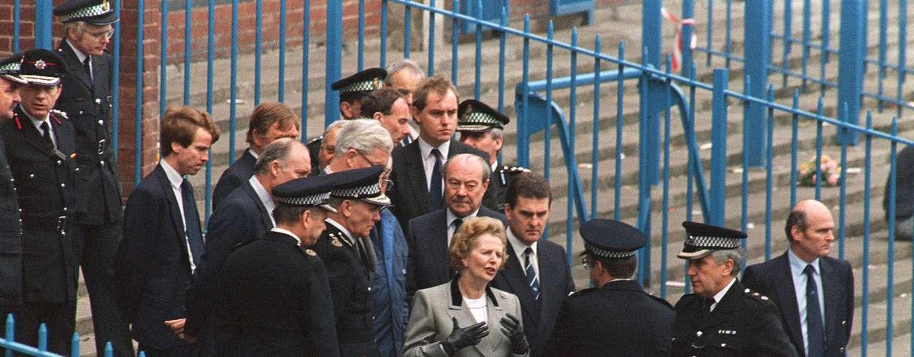 La tragedia se produjo apenas cuatro años después del desastre en el estadio de Heysel, en Bruselas, donde murieron 39 aficionados.
