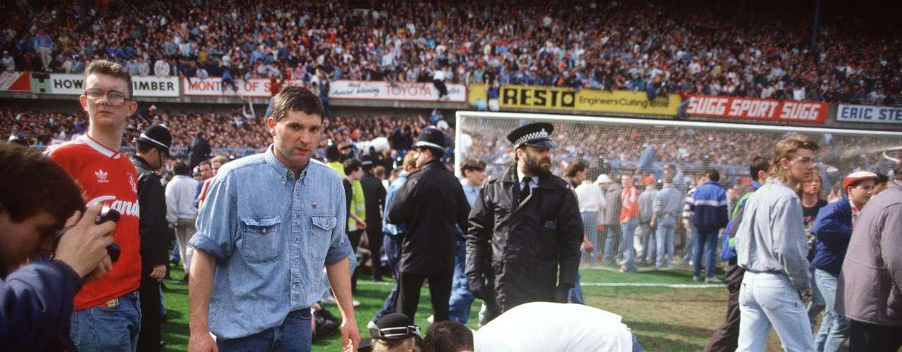 Aquel juego convocó a 25 mil aficionados de cada equipo, en su mayoría menores de 25 años.